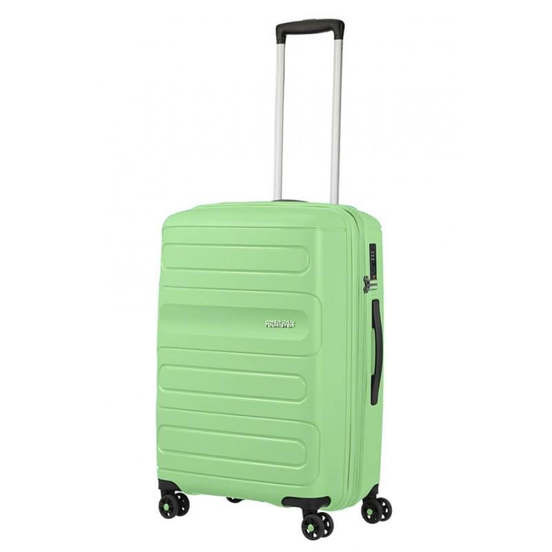 Keskmise suurusega kohvrid American Tourister Sunside V Neo Mint